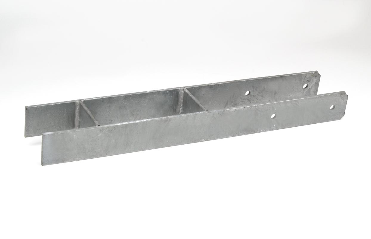 Bodenanker schwer H-Form verzinkt 121 x 600 mm für 12 cm Pfosten