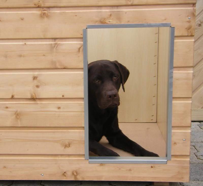 Original SAUERLAND Holz-Hundehütte, braun imprägniert | Flachdach Plus | Eingang Längsseite | Größe Lassie