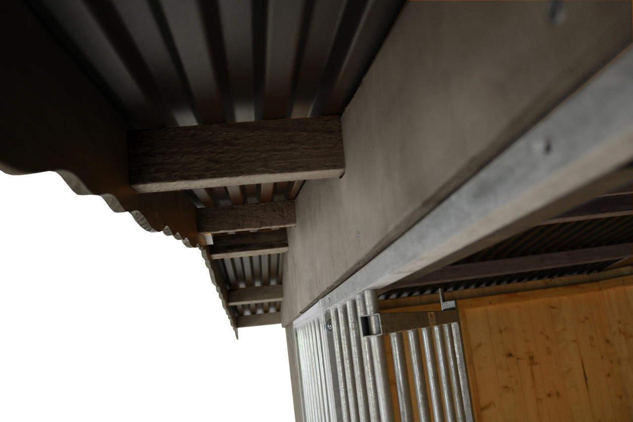 Detailansicht Dachüberstand vorn
