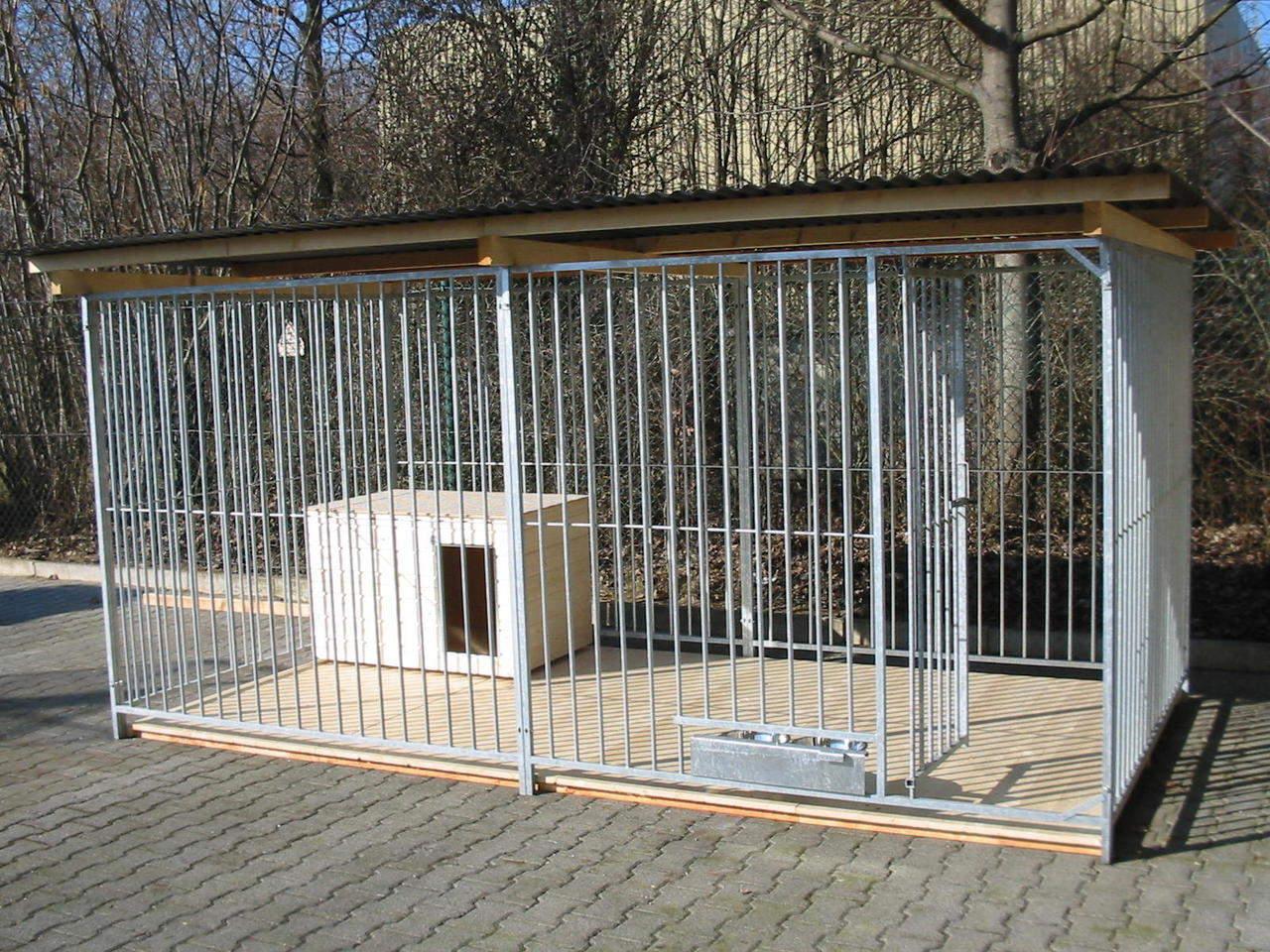 Rohrstabzwinger Sonderserie 2x4 m mit Zusatzausstattung gegen Aufpreis: Holzboden, Hundehütte und ausschwenkbares Futtersetv