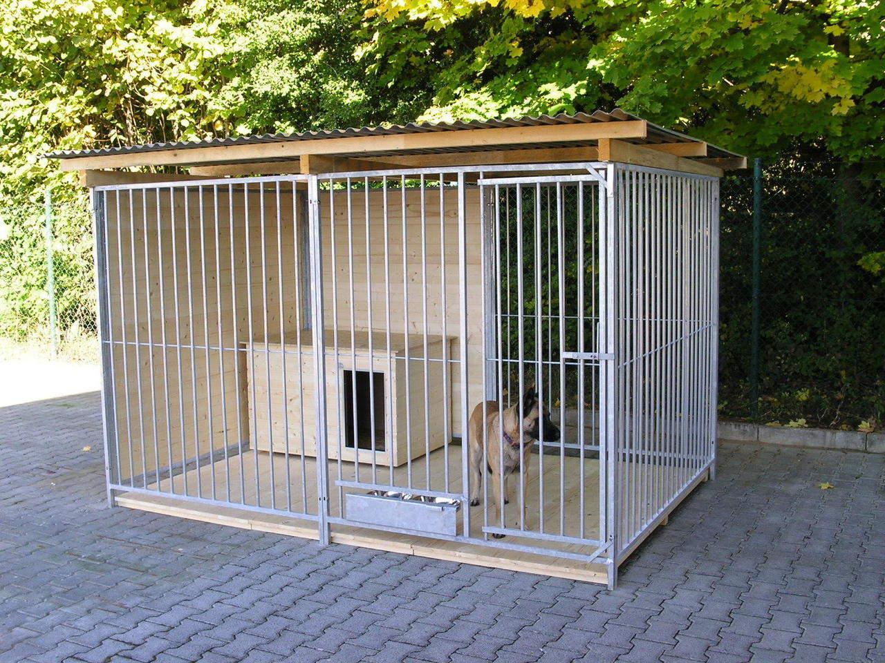 Sonderserie Zwinger 2x3 m mit Zusatzausstattung gegen Aufpreis: Holzboden, Hundehütte und ausschwenkbares Futterset