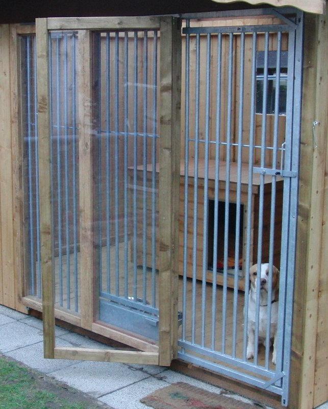 Windschutz für SAUERLAND/Vlla/Wolfsburg Hundezwinger,  B 2,0 m, 3-teilig mit klappbarer Tür